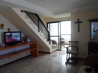 Apartamento cobertura, próximo as praias das Castanheiras e Areia Preta