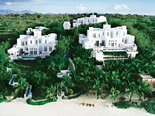 THREE LUXURY VILLAS ON A WORLD CLASS BEACH