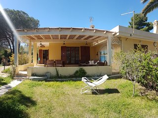 Private rent beautiful villa in front of the beach in Cala Sinzias, Sardinia, Italy