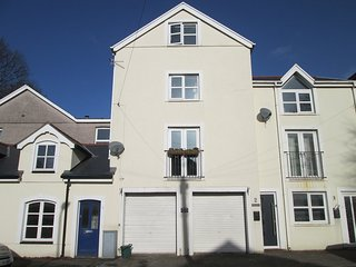 Uplands Townhouse Close To Swansea & The Gower