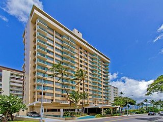 Ocean View Penthouse Studio By The Beach With Huge Lanai And Great Amenities