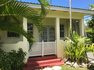 2 mins from the beach spacious garden studio apartment