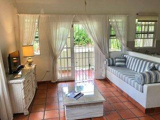 2 mins from the beach spacious garden studio apartment