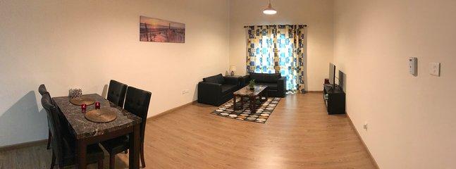 Das Wohnzimmer kann 50 Personen sitzen oder sein können Sie Salsa tanzen versuchen können auch große Zeit mit der Familie.