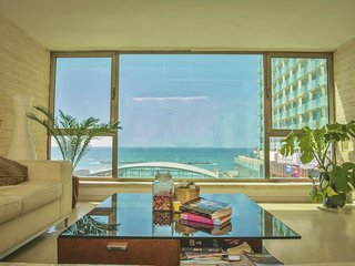LUXURY FULL SEA VIEW 2 BEDROOMS APT NEXT TO HILTON & GORDON BEACH - TEL AVIV