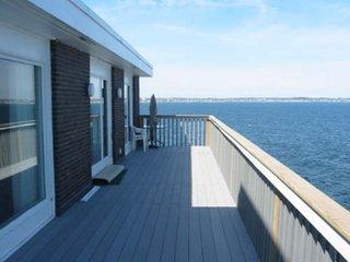 Direct Oceanfront Home in Seaside Community