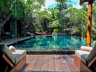 Garden & Pool View - Villa Mana