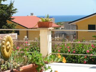 Double en-suite in Villa 5 mins Walk from Beach