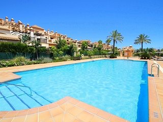 Beautiful 2 Bed Apartment in luxury complex just 7 min flat walk to La Cala