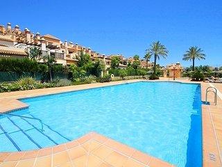 Beautiful 2 Bed Apartment in luxury complex just 7 min flat walk to La Cala