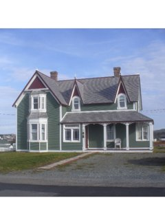 Bonavista heritage home built early 1900 originally  for the Catholic Church priest. Beautiful deck