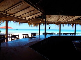 Beautiful Beachfront Villa With Private Pool and Bar (Fully Staffed)