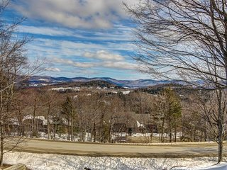 Lovely ski-in/ski-out condo w/ large deck & beautiful views - walk to village
