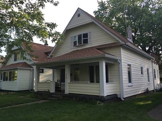 Large Beautiful Home, Perfect for your Indy trip!