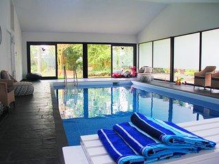 Luxus Villa EMG Bonn near UKB Kilnik, Koln und Flughafen, Wellness, Pool, 16 P.