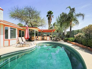 Remodeled 3BR w/ Private Pool, Outdoor Kitchen - Minutes to Dining & Shops