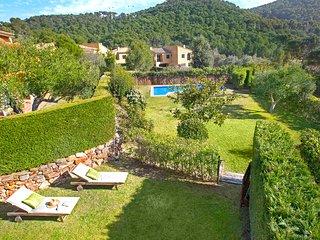 Llafranc Villa Sleeps 9 with Pool and WiFi - 5223690