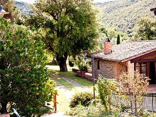 2 bedroom Villa in Popoltaio-Schiacciato, Umbria, Italy : ref 5606359