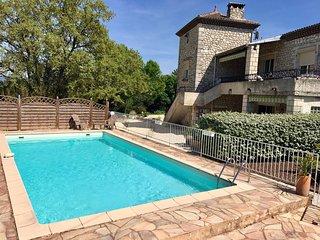 Gîte calme avec piscine- Les Chênes au Mas du Vieux Chêne-