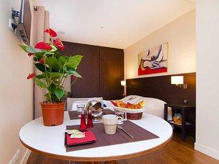 Paris Montmartre Luxury Studio