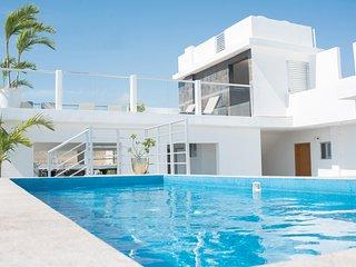5th Coral Suites Panoramic Swimming Pool