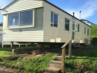 3 Bed 8 Berth Caravan, Gorse Hill, Devon Cliffs, Exmouth