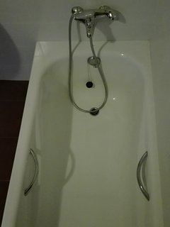 Baño privado completo con ducha o bañera