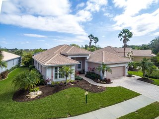 Gorgeous Furnished Pool Home in Desirable Venetia Avail Now to Mid-December!