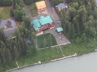 Arctic Wolf Lodge W/ Private Dock on the River