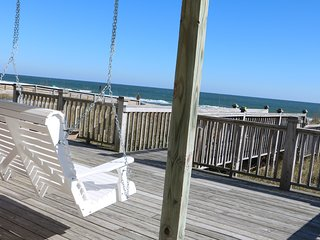SALE! Oceanfront 3BR House-Amazing Views/Location, Huge Deck,Wifi,Swing