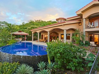 Luxury 7 Bdr Ocean View Villa-Magnificent Outdoor Pavilion, Pool, Bar & Greenhse