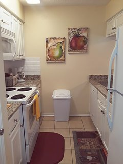 Kitchen supplied with all of your cooking needs