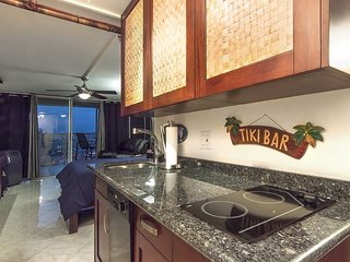 Island Colony 4408-Penthouse Level! Completely Remodeled!
