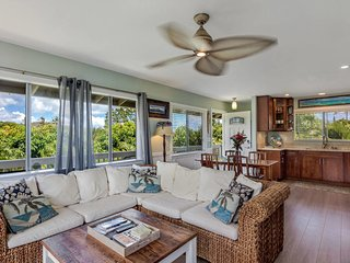 25% Last Minute Special - 2 Bdrm 1 bath Kapakai Cottage,  AC & full kitchen