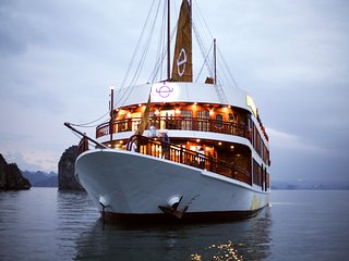 Halong Emperor Cruises