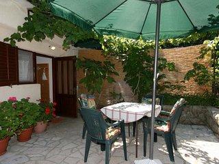 Jadranovo Apartment Sleeps 3 - 5464480