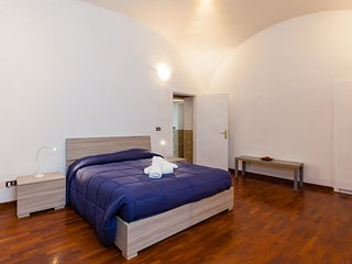 Cozy Renovated Apartment at Piazza Cavour
