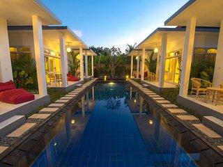 Elegance 6 Bedroom Villa with Large Swimming Pool in Jimbaran