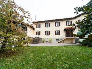 Villa nearby Como,  Varese, Lugano Lakes  and Milano