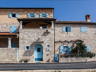 Traditional Istrian stone Villa private pool 11 pax