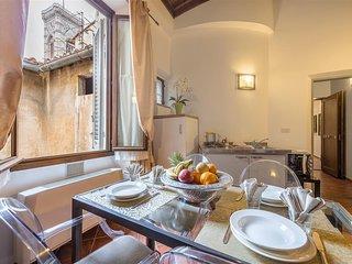 Giotto Elegant apartment