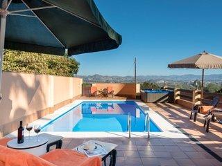 Bonito Chalet independiente con piscina y jacuzzi