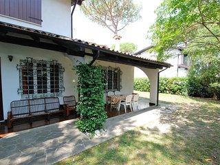 3 bedroom Apartment in Lignano Pineta, Friuli Venezia Giulia, Italy : ref 556034
