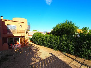 2 bedroom Villa in Empuriabrava, Catalonia, Spain : ref 5514577