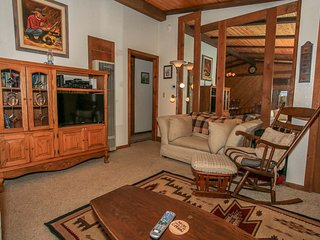 Ruff Inn It Adorable 2 BR Bear City Chalet/AppleTV