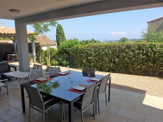 2 bedroom Apartment in Bormes-les-Mimosas, Provence-Alpes-Côte d'Azur, France :