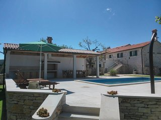 Extra large holiday home with private pool 14 pax