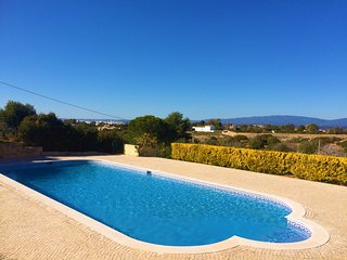 Modern 2 Bed Apt On Resort With Communal Pool & Scenic Views Near Carvoeiro