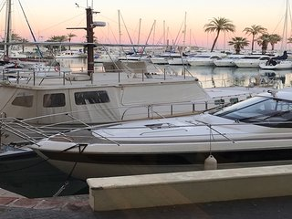 Luxury Waterfront Apartment, Puerto Marina, Benalmadena.