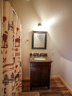 Hereford Cabin 693 - Full bathroom